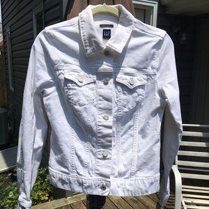 GAP white jean jacket/sz M